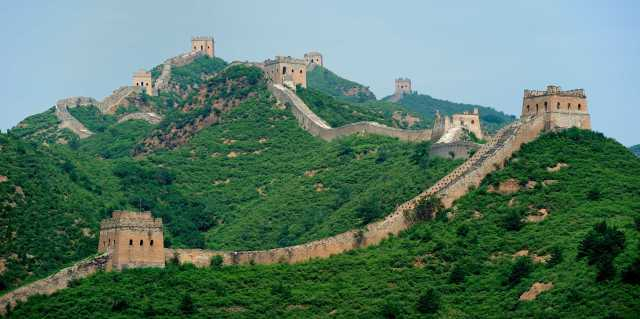 the-great-wall-of-china-is-falling-apart