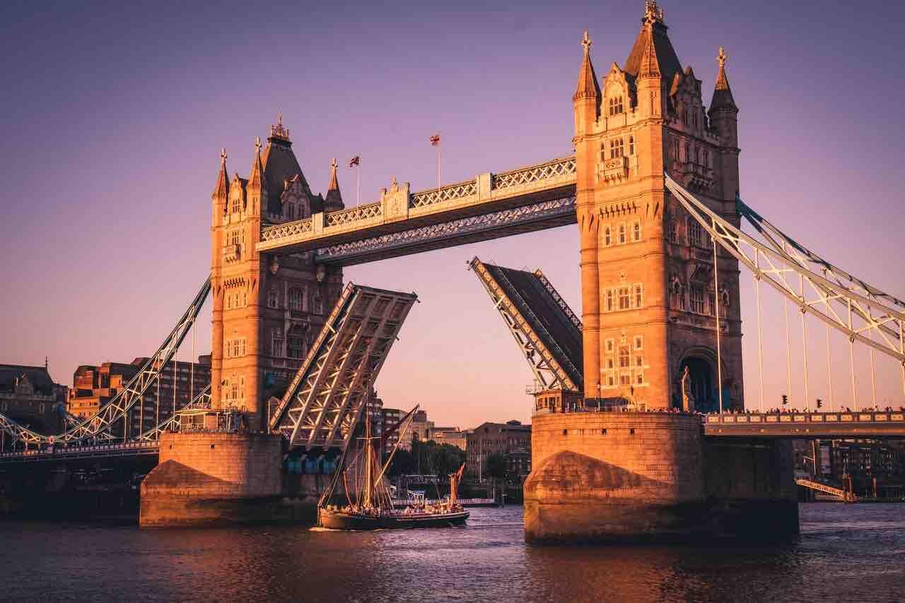 Sail-Through-Tower-Bridge-Glow-Small